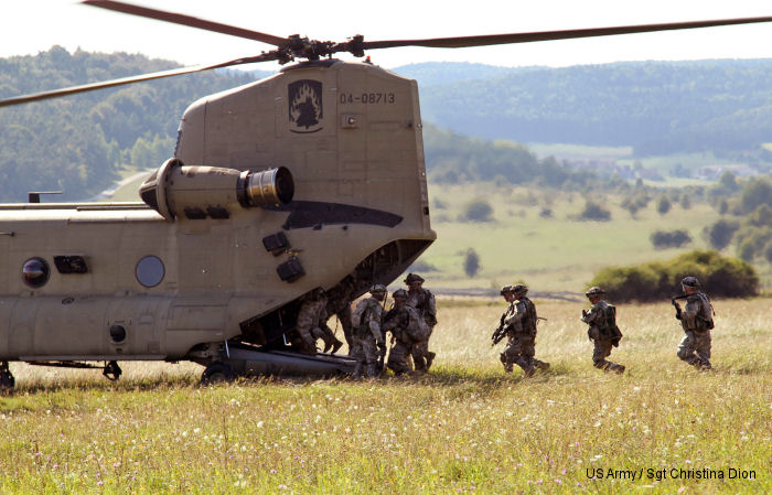 Paratroopers air assault in Saber Junction 14
