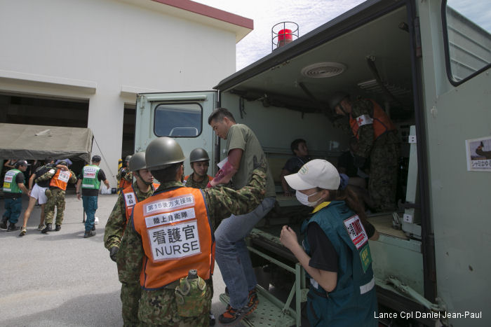 JSDF, Marines train for disasters