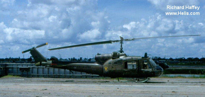 Vinh Vietnam  city images : Vinh Long airfield helicopters in Vietnam
