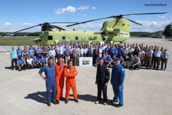 First Italian Army ICH-47F Chinook Performs Its Maiden Flight
