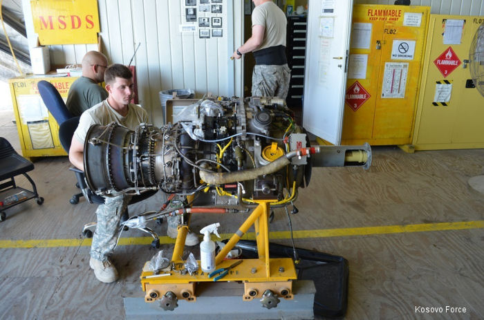 US Army Aviation Mechanics in Kosovo