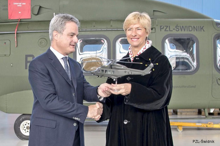 The Italian Minister of Defence, Roberta Pinotti, visited PZL-Świdnik, a subsidiary of Finmeccanica-AgustaWestland, during her official tour in Poland.