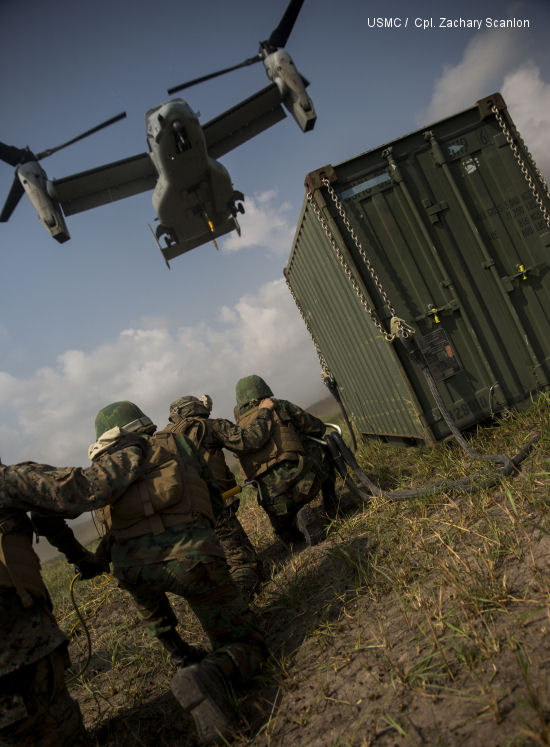 Royal Thai and U.S. Marines Conduct Bilateral External Lift Exercise