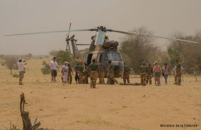 On April 21, more than 200 French soldiers from Operation Barkhane were mobilized in Burkina Faso and south of Gao, Mali, to allow families mourn Air Algeria Flight AH5017 Mali desert crash victims.