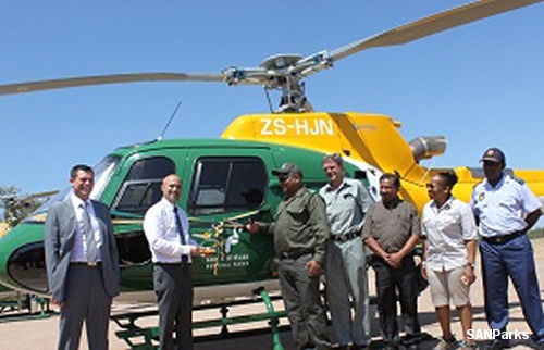 South African National Parks (SANParks) received a brand new AS350B3e helicopter with night flying capability, made available with funding from the US based Howard G Buffet Foundation (HGBF)