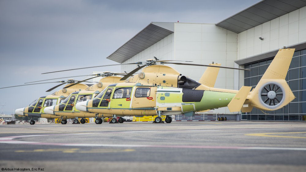 The first 3 AS565MBe Panther were handed over to PT Dirgantara Indonesia for final reassembly and outfit. Eleven helicopters to be delivered to the Indonesian Navy through 2018