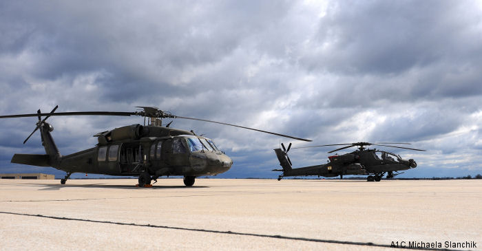 UH-60 Black Hawks touch down at Whiteman