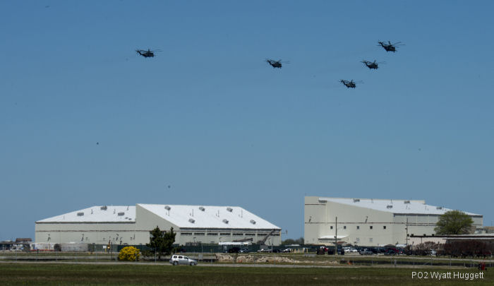HM-14 Conducts Five Helicopter Formation