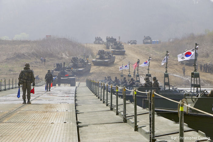 US, South Korea Soldiers Conduct Large-scale River Crossing Exercise
