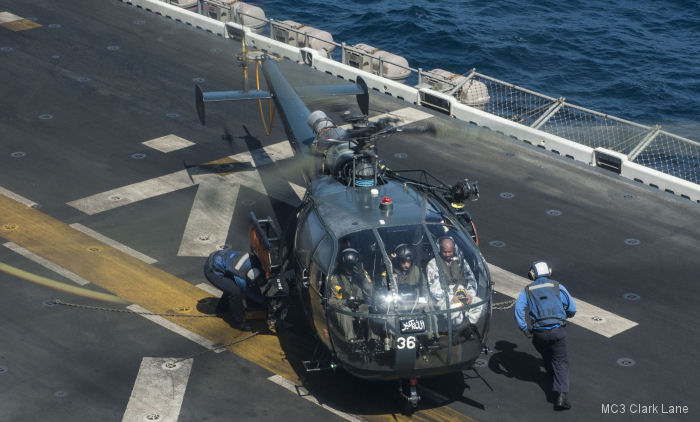 The Pakistani sailor returned to his ship, PNS Tariq, aboard the organic Alouette III
