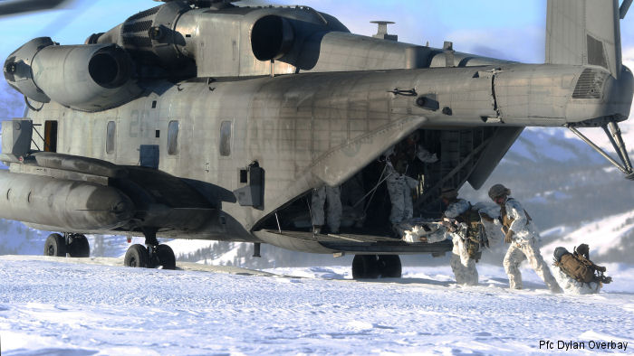 "U.S. Marine Heavy Helicopter Squadron HMH-462 ""Heavy Haulers"" conducted cold weather training at Marine Corps Mountain Warfare Training Center (MCMWTC) in Bridgeport, California"