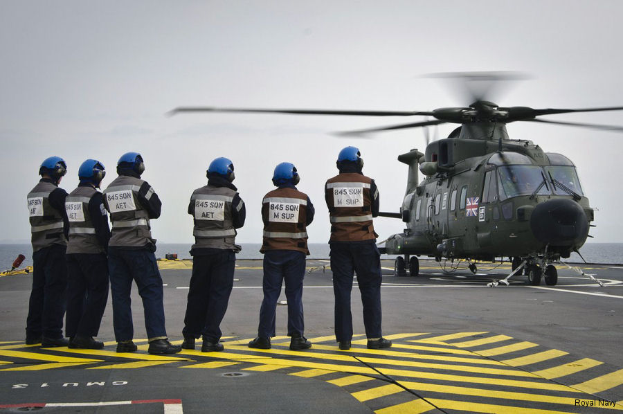 For the first time, two Merlins helicopters from Royal Navy 845 NAS are assigned to the French assault ship Mistral throughout her six-month deployment to the Indian and Pacific Oceans