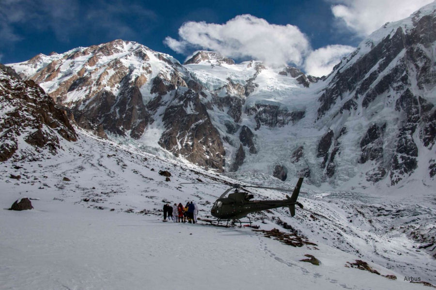 Pakistan AS350 Rescued Climber