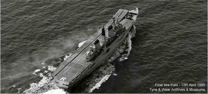 R07 HMS Ark Royal