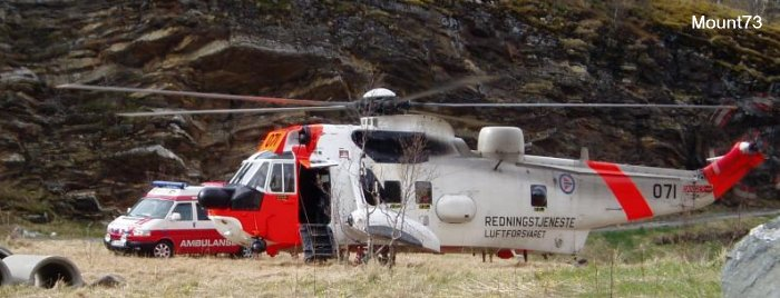 Helicopter Westland Sea King Mk.43 Serial wa 752 Register 071 used by Luftforsvaret (Royal Norwegian Air Force). Built 1972. Aircraft history