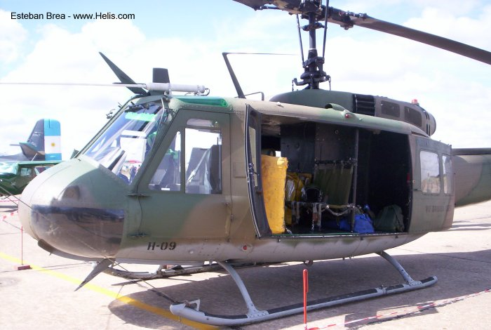 Helicopter Bell UH-1D Iroquois Serial 5288 Register 66-00805 H-09 used by Aviacion de Ejercito Argentino (Argentine Army Aviation) US Army Aviation Fuerza Aerea Argentina (Argentine Air Force). Aircraft history and location