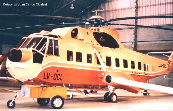 Helicopter Sikorsky S-61N Serial 61-466 Register ZS-HRU LV-OCL H-71 N82772 used by Court Helicopters ,Helicopteros Marinos HMSA ,Fuerza Aerea Argentina FAA (Argentine Air Force) ,Carson Helicopters. Built 1969. Aircraft history and location